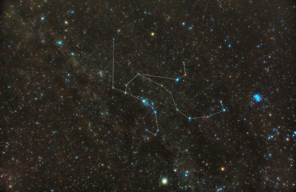 PENTAX KP/TAMRON AF18-200mm F3.5-6.3 XR DiII/フルサイズ換算27㎜/ISO12800/露出30秒/F4.5/62枚を加算平均コンポジット/ダーク減算なし/ソフトビニングフラット補正をした2018年09月19日03時31分24秒から撮影したペルセウス座の星座線入り星空写真(星野写真)です。