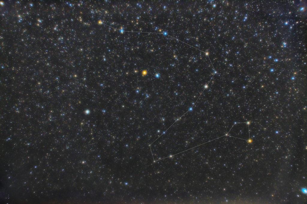 2019年04月03日23時13分43秒から一眼カメラとカメラレンズで竜座(りゅう座)の星座線入り星野・星空写真を撮りました。
