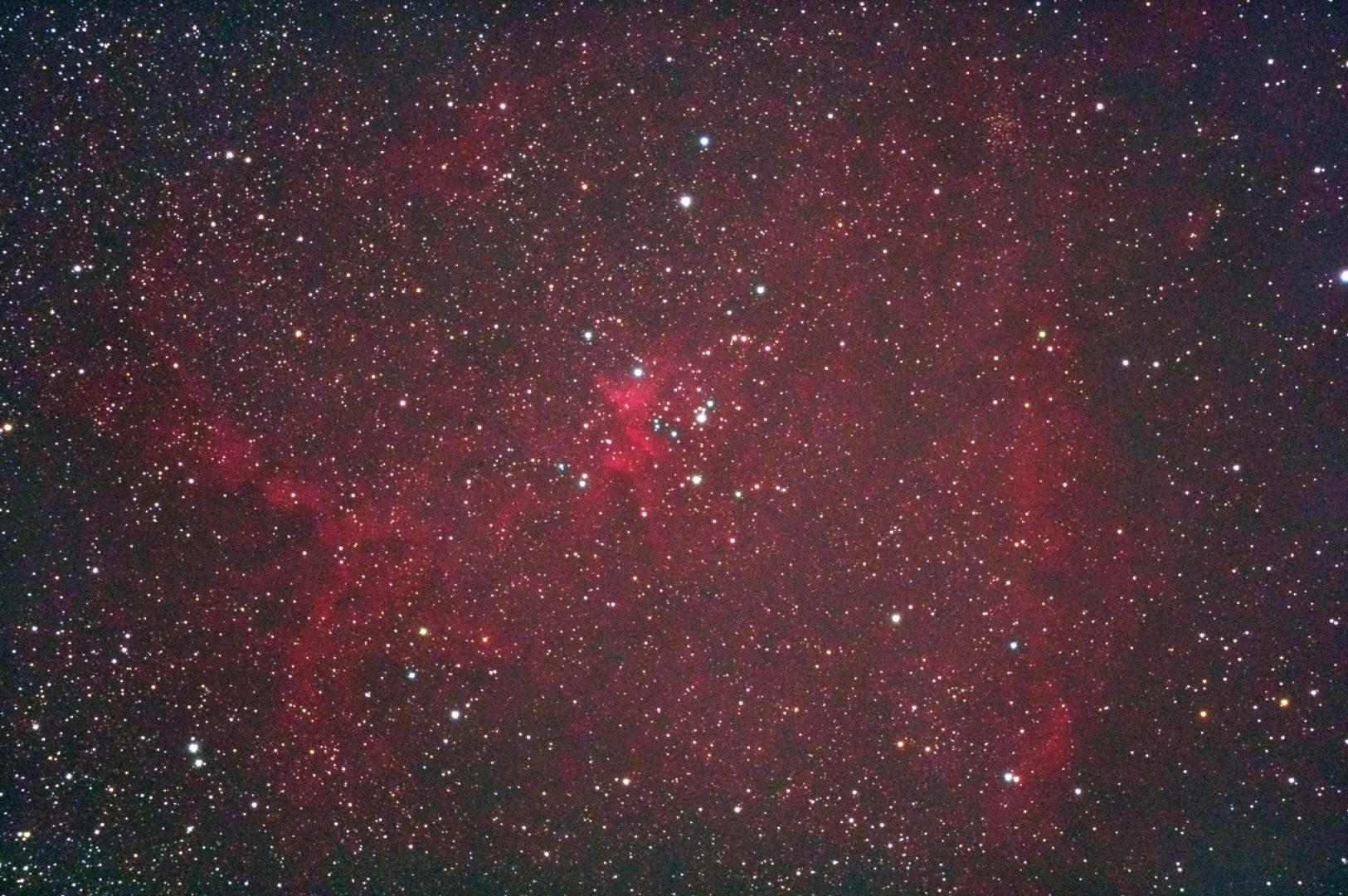 口径15.2cm反射望遠鏡(LXD-55)/F5/PENTAX-KP/ISO25600/カメラダーク/フラットエイドでフラット/露出30秒×14枚を加算平均コンポジットした2017年09月26日02時12分15秒から撮影したIC1805(ハート星雲)