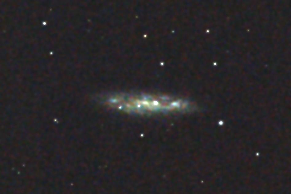 口径15.2cm反射望遠鏡(LXD-55)/F5/CANON EOS KISS X7i/ISO6400/ダーク減算なし/ソフトビニングフラット補正/露出30秒×10枚を加算平均コンポジットした2017年01月04日01時31分44秒から撮影したM108のメシエ天体写真です。