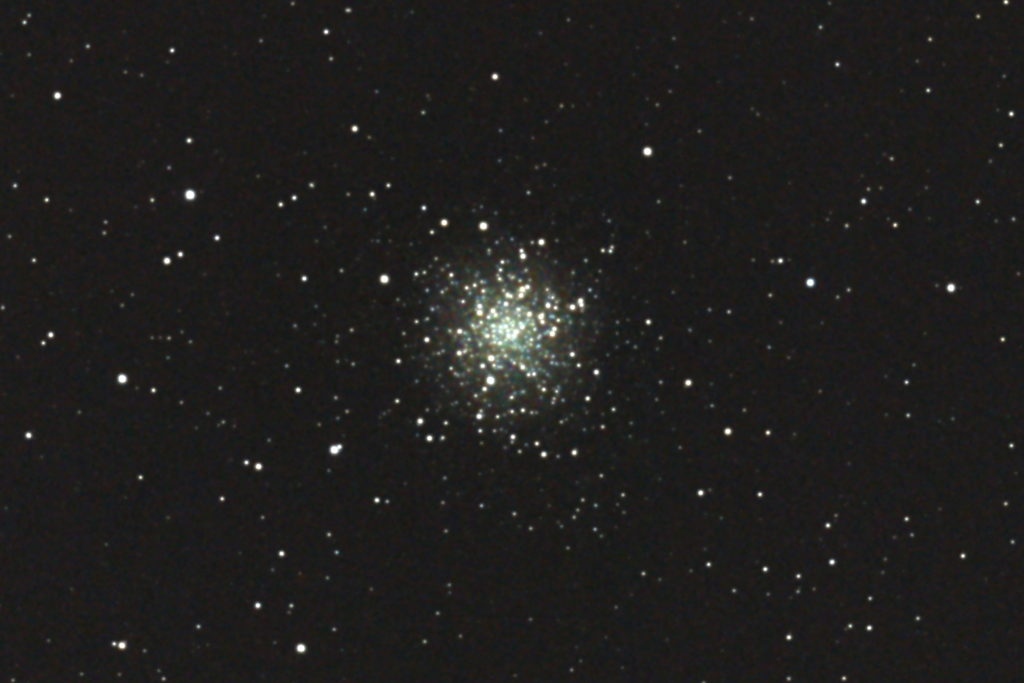 2017年04月24日03時39分50秒から15.2cmF5の反射望遠鏡「ミードLXD-55」とキャノンの一眼レフカメラEOS KISS X7iでISO25600/露出20秒で撮影して10枚を加算平均コンポジットしたフルサイズ換算約3161mmのM12(球状星団)のメシエ天体写真です。