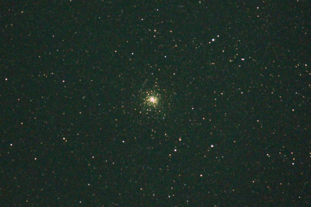 口径15.2cm反射望遠鏡(LXD-55)/F5/PENTAX-KP/ISO25600/カメラダーク/疑似フラット/露出8秒×8枚を加算平均コンポジットした2017年08月30日21時26分36秒から撮影したM28の天体写真です。