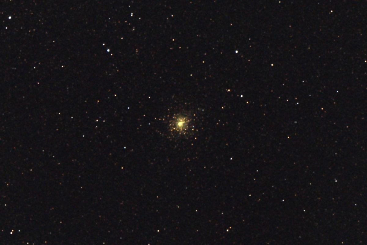 口径15.2cm反射望遠鏡(LXD-55)/F5/PENTAX-KP/ISO12800/カメラダーク/ソフトビニングフラット補正/露出6秒×15枚を加算平均コンポジットした2017年08月30日21時31分56秒から撮影したM28(球状星団)の天体写真です。