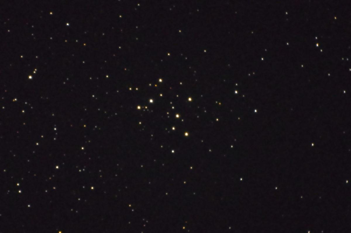 口径15.2cm反射望遠鏡(LXD-55)/F5/PENTAX-KP/ISO25600/カメラダーク/flatなし/露出15秒×8枚加算平均コンポジットした2017年08月18日22時30分25秒に撮影したM29の天体写真です。