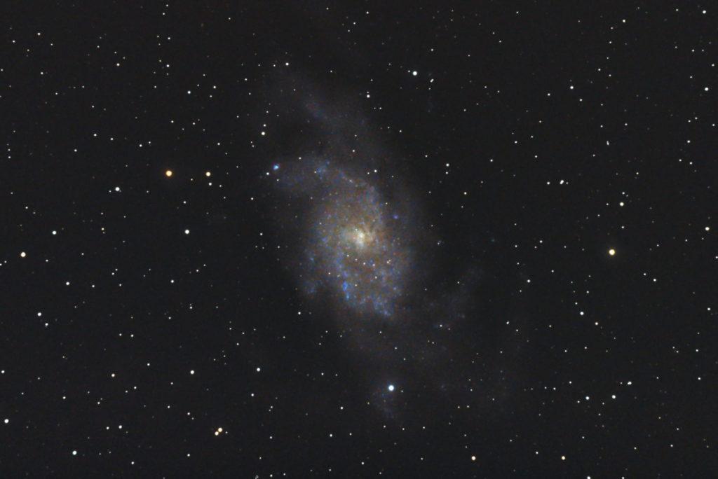 口径15.2cm反射望遠鏡(LXD-55)/F5/PENTAX-KP/ISO25600/カメラダーク/ソフトビニングフラット補正/露出15秒×15枚を加算平均コンポジットした2017年09月19日01時41分51秒から撮影したM33(さんかく座銀河)の天体写真です。