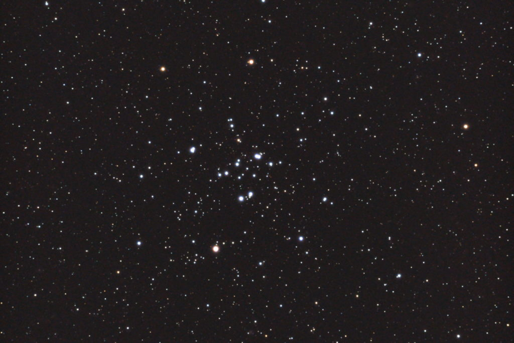 口径15.2cm反射望遠鏡(LXD-55)/F5/PENTAX-KP/ISO25600/カメラダーク/ソフトビニングフラット補正/露出15秒×16枚を加算平均コンポジットした2017年08月23日01時48分02秒から撮影したM34の天体写真です。