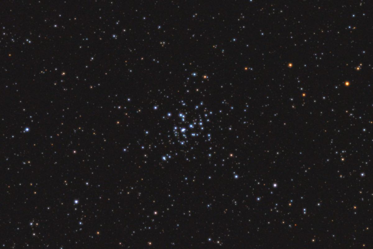 口径15.2cm反射望遠鏡(LXD-55)/F5/PENTAX-KP/ISO25600/カメラダーク/ソフトビニングフラット補正/露出6秒×31枚を加算平均コンポジットした2017年09月25日03時43分23秒から撮影したM36の天体写真です。