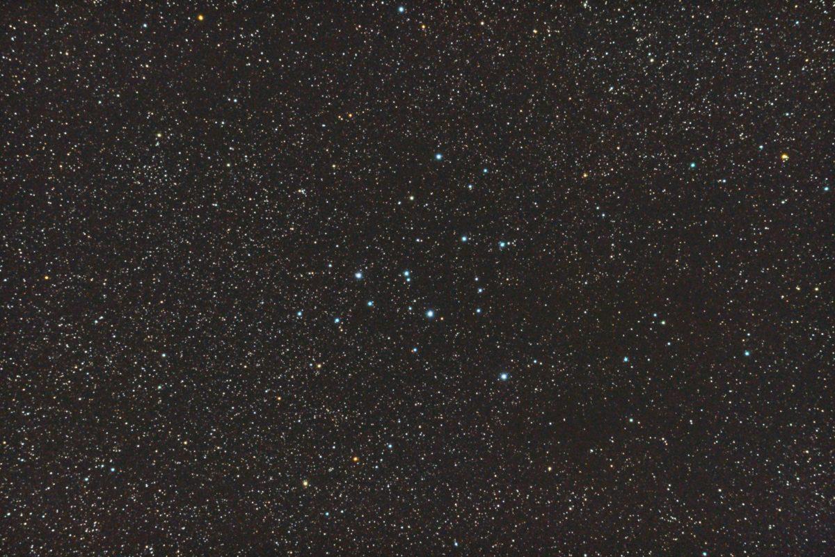 口径15.2cm反射望遠鏡(LXD-55)/F5/PENTAX-KP/ISO25600/カメラダーク/ソフトビニングフラット補正/露出15秒×10枚を加算平均コンポジットした2017年08月23日01時36分53秒から撮影したM39の天体写真です。