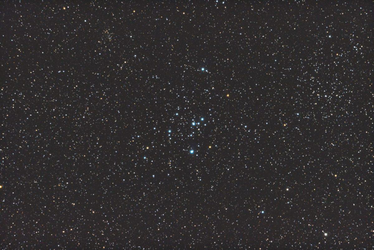 口径15.2cm反射望遠鏡(LXD-55)/F5/PENTAX-KP/ISO51200/カメラダーク/ソフトビニングフラット/露出10秒×31枚を加算平均コンポジットした2017年10月27日02時47分41秒から撮影したM47のメシエ天体写真です。