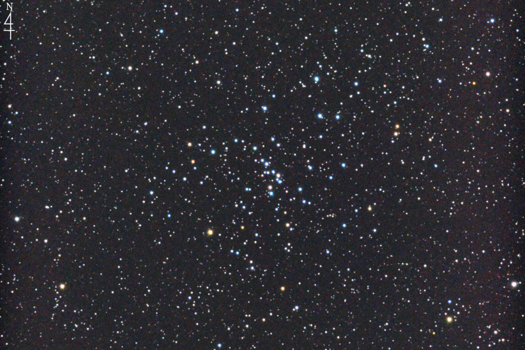 2017年10月27日03時07分04秒からミードの口径15.2cmF5の反射望遠鏡LXD-55とリコーの一眼レフカメラPENTAX-KPでISO51200/露出10秒で撮影して26枚を加算平均コンポジットしたフルサイズ換算約1728mmのM48のメシエ天体写真です。