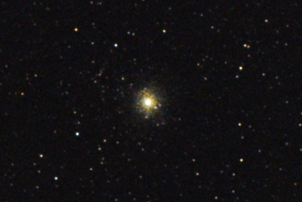 口径15.2cm反射望遠鏡(LXD-55)/F5/PENTAX-KP/ISO25600/カメラダーク/ソフトビニングフラット補正/露出3秒×32枚を加算平均コンポジットした2017年09月24日20時06分06秒から撮影したM54(球状星団)のメシエ天体写真です。
