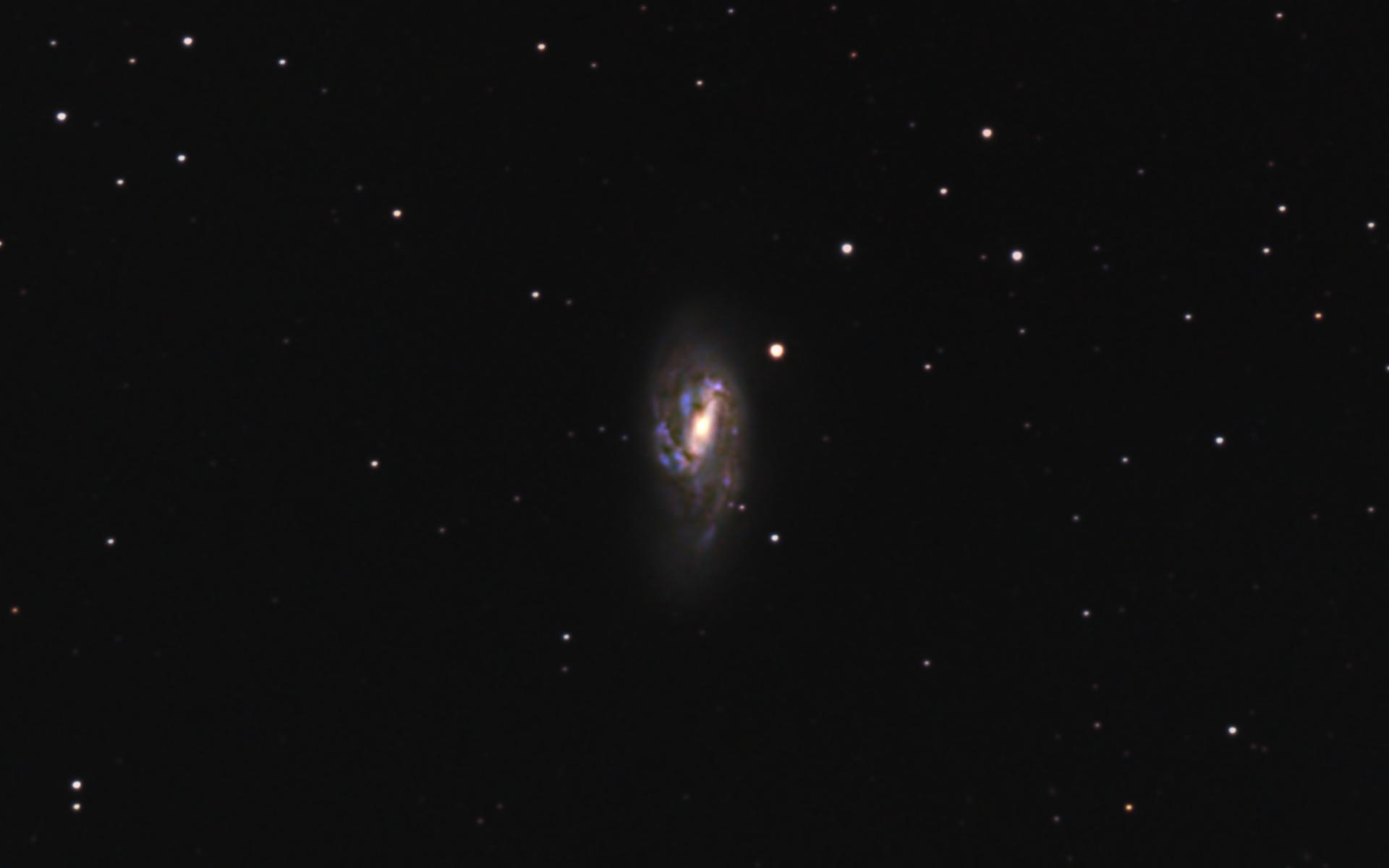 口径15.2cm反射望遠鏡(LXD-55)/F5/PENTAX-KP/ISO25600/ダーク減算なし/ソフトビニングフラット補正/リアレゾOFF/露出30秒×114枚を加算平均コンポジットした2018年04月18日21時07分51秒から撮影したM66のメシエ天体写真です。