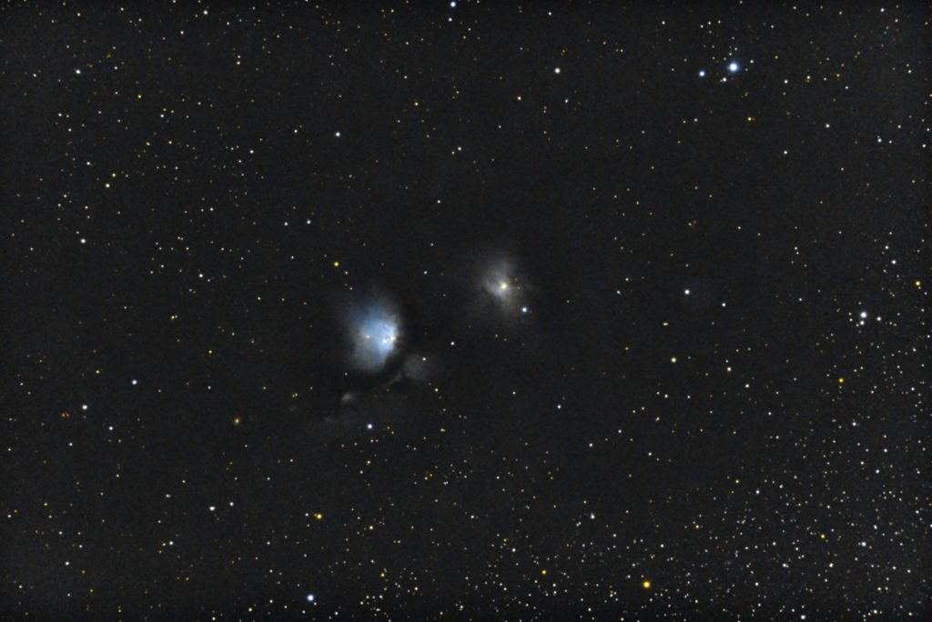 口径15.2cm反射望遠鏡(LXD-55)/F5/PENTAX-KP/ISO51200/カメラダーク/ソフトビニングフラット補正/露出20秒×32枚を加算平均コンポジットした2017年10月27日01時43分32秒から撮影したM78(左)とNGC2071(右)の天体写真です。