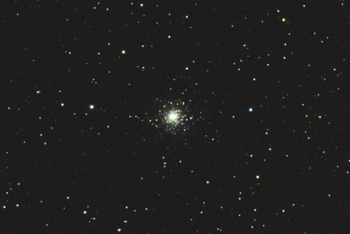 口径15.2cm反射望遠鏡(LXD-55)/F5/PENTAX-KP/ISO51200/カメラダーク/ソフトビニングフラット/露出10秒×30枚を加算平均コンポジットした2017年10月27日01時24分12秒から撮影したM79の天体写真です。