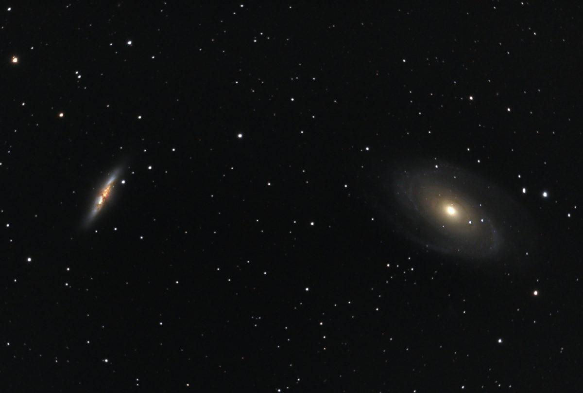 口径15.2cm反射望遠鏡(LXD-55)/F5/PENTAX-KP/ISO25600/ダーク減算なし/ソフトビニングフラット/露出30秒×101枚を加算平均コンポジットした2018年03月17日23時14分21秒から撮影したM82(葉巻銀河)とM81のメシエ天体写真です。