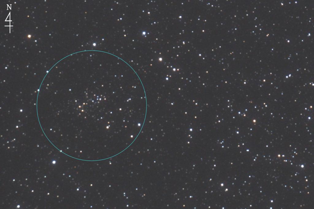 2017年10月27日02時47分41秒から口径15.2cm/F5の反射望遠鏡LXD-55と一眼レフカメラのPENTAX-KPでISO51200/露出10秒を30枚加算平均コンポジットしたフルサイズ換算約3578mmのNGC2425の天体写真です。