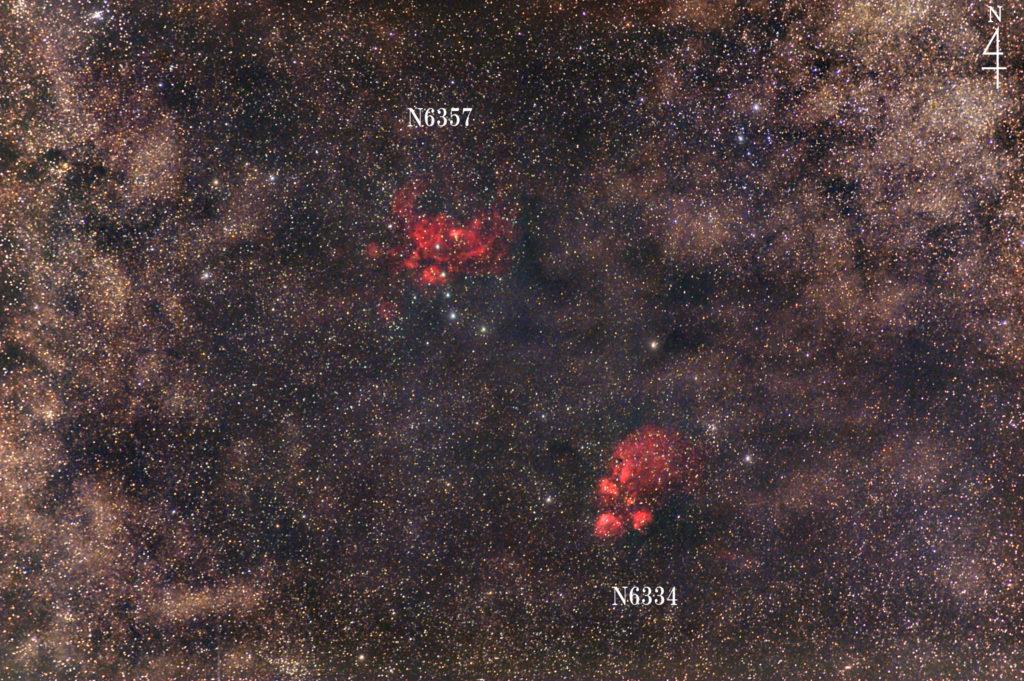 2020年4月30日02時29分21秒から一眼レフカメラのCANON EOS KISS X2の赤外線改造とSIGMA 70-200mmF2.8のでISO1600/露光1分で撮影して30枚加算平均コンポジットしたFL換算約300mmのさそり座のNGC6334(出目金/猫の足 Cat paw nebula/猫の手/肉球/熊の手星雲)とNGC6357(彼岸花星雲)の星野写真です。