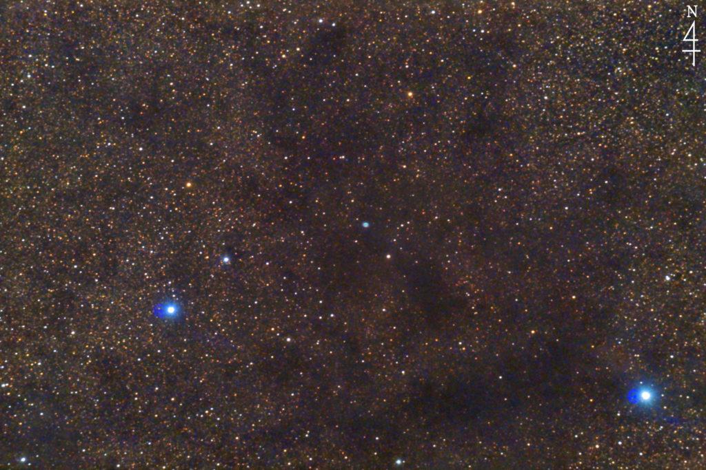 2020年5月29日00時01分28秒から一眼レフカメラと反射望遠鏡で撮影したへびつかい座のNGC6369(小さな幽霊星雲/Little Ghost Nebula)の天体写真です。フルサイズ換算約1182㎜の天体写真です。